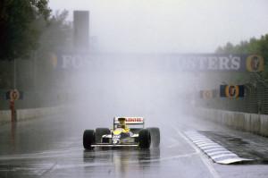 Nakon povlačenja Prosta u drugome krugu i Senninog sudara u 13. krugu, Thierry Boutsen u Williams Renaultu ostvario je drugu pobjedu sezone. (5. 11. 1989.) Foto: f1fanatic