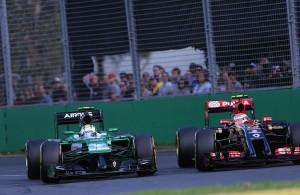 Dvoboj dva najneobičnija nosa u 2014. - Caterham Renault protiv Lotus Renaulta. Foto: Renault