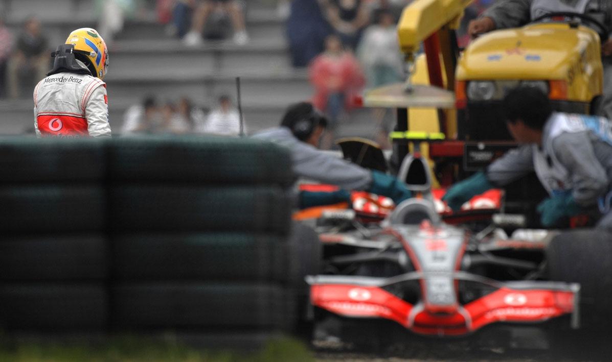 Ovako je dotad gotovo nepogrešivi Hamilton 2007. završio svoju prvu utrku u Kini. Ostalo je povijest...(7.10.2007) Foto: Daimler