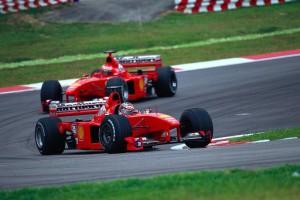 Schumacher je 1999. fantastičnom povratničkom vožnjom pomogao Irvineu da dođe do pobjede i zadržao Hakkinenana trećem mjestu. (17. 10. 1999.) Foto: Ferrari