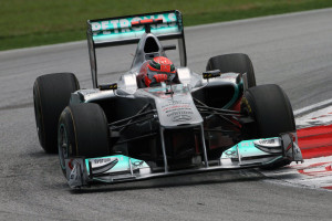 Michael Schumacher u Mercedesu W03 na stazi Sepang International Circuit. (10. 4. 2011.) Foto: f1-site.com