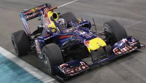 Iako je uoči posljednje utrke prvenstva bio tek treći u poretku vozača, 15 bodova iza Alonsa i 7 iza Webbera, Vettel je uspio pobijediti i postati najmlađi svjetski prvak u povijesti Formule 1 (23 godine i 134 dana). (14.11.2010.) Foto: AP