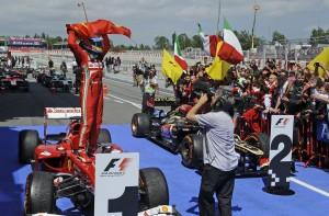 Alonso je pobjedom na petoj utrci prvenstva u Španjolskoj došao do druge pobjede u sezoni. Sezona je mnogo obećavala, ali je u drugom dijelu sezone Red Bull u potpunosti dominirao. (12.5.2013.) Foto: Ferrari