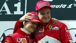 Tko tu koga tješi? Michael Schumacher i Rubens Barrichello na pobjedničkom postolju VN Austrije 2002. Rubens je poslušao momčadske odredbe i poklonio Michaelu pobjedu u posljednjim metrima utrke. (12.5.2002.) Foto: Eurosport