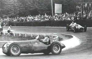 Juan Manuel Fangio u Alfa Romeu (s trkaćim brojem 10) pobjednik je prve VN Belgije 1950. Slavio je ispred Luigija Fagiolija, također u Alfa Romeu. (18.6.1950.) Foto: forum-auto-com