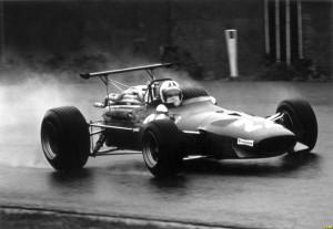 Chris Amon u Ferrariju osvojio je dominantan pole position na VN Belgije 1968. zahvaljujući aerodinamičkim dodacima na svom bolidu. Foto: taringa