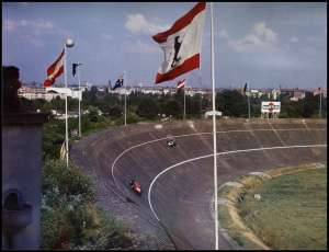 german-gp-1959-avus-berlin-north-corner-43-degrees-banking Foto reddit