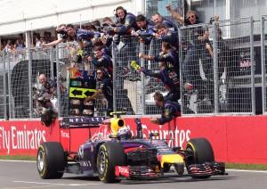 Daniel Ricciardo šokirao je svijet Formule 1 pobjedom na VN Kanade 2014. Australcu je to bila prva pobjeda u karijeri i prva u sezoni za momčad Red Bulla. (8.6.2014.) Foto: motorsportstalk