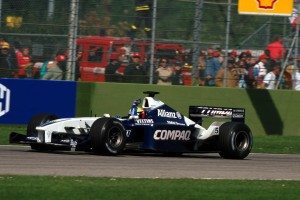 Ralf Schumacher u Williams BMW-u slavi prvu pobjedu u karijeri. Drugi je završio Michael, što je bila prva dvostruka pobjeda neke braće u povijesti Formule 1. (10.6.2001.) Foto: f1fanatic