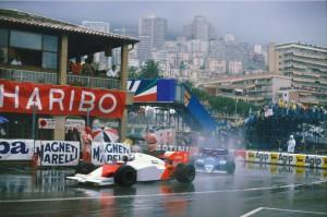 Prost je 1984. ostvario svoju prvu pobjedu u Monaku, iako smo zbog nepotrebnog prekida utrke zbog kiše uskraćeni za fenomenalni troboj Prost-Senna-Bellof (3.6.1984.) Foto: McLaren