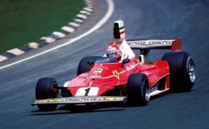niki-lauda-ferrari-312t2-german-gp-nurburgring-f1-1976 Foto safetycast