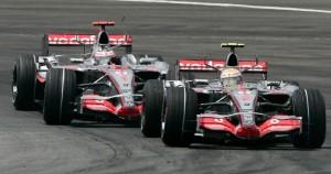 McLarenovi vozači u bespoštednoj borbi za prvo mjesto. (17.6.2007.) Foto: McLaren