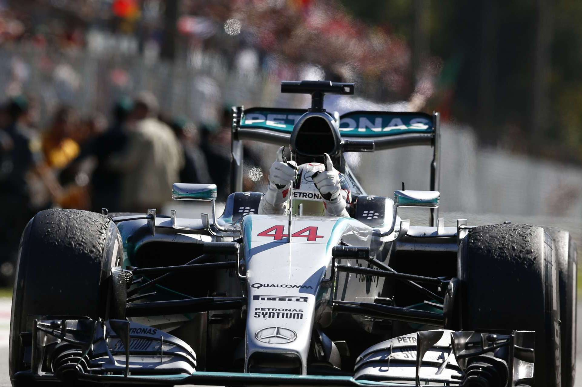 lewis-hamilton-mercedes-w06-hybrid-italy-gp-monza-f1-2015-his-2nd-grand-chelem