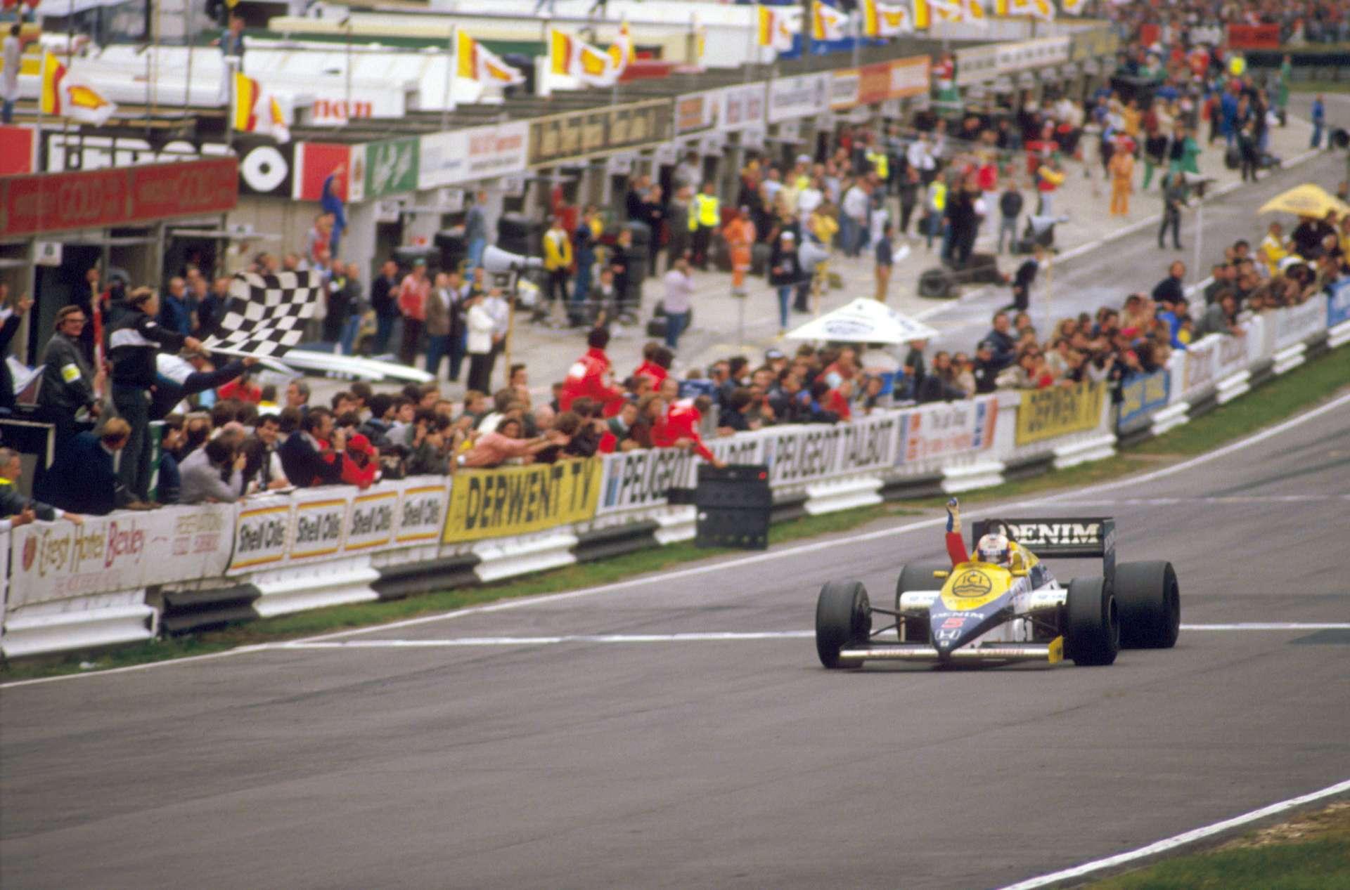 Nigel Mansell slavi prvu pobjedu u karijeri pred domaćom publikom na Brands Hatchu. (6.10.1985.) Foto: Williams