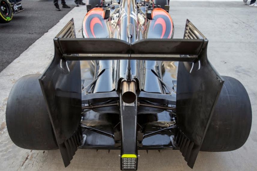 mclaren-mp4-30-abu-dhabi-2015-rear-suspension