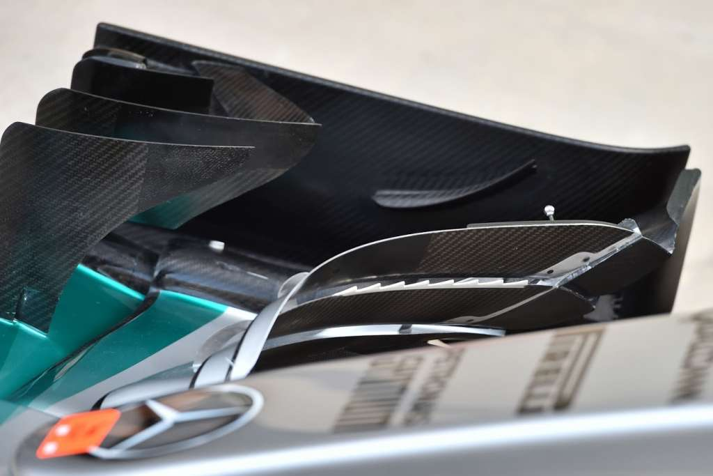 mercedes-teeth-cover-front-wing-abu-dhabi-2015