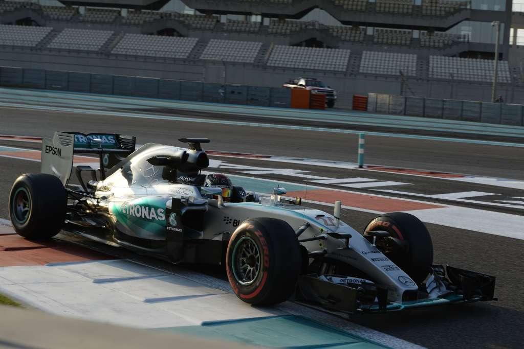 pascal-wehrlein-mercedes-w06-hybrid-abu-dhabi-tyre-test-f1-2015-pirelli-super-soft-ultra-soft