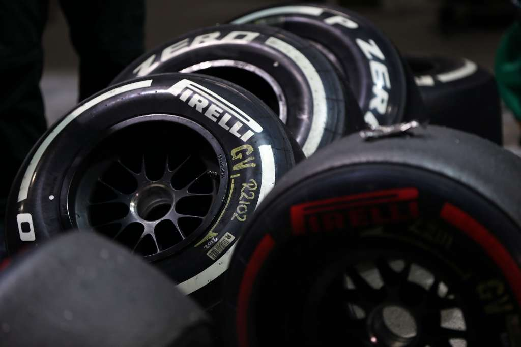 pirelli-f1-tyre-super-soft-medium-singapore-2012