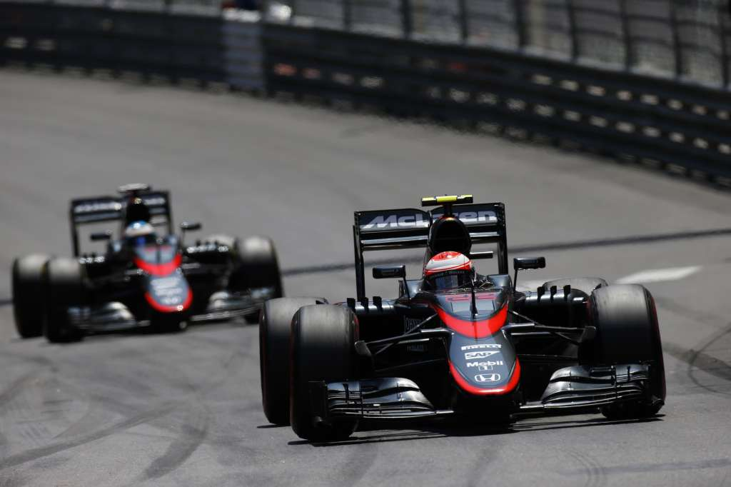 jenson-button-fernando-alonso-mclaren-honda-mp4-30-monaco-gp-f1-2015