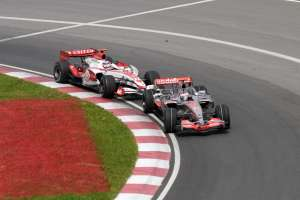 sato-alonso-canada-montreal-gp-f1-2007-battle-for-6th