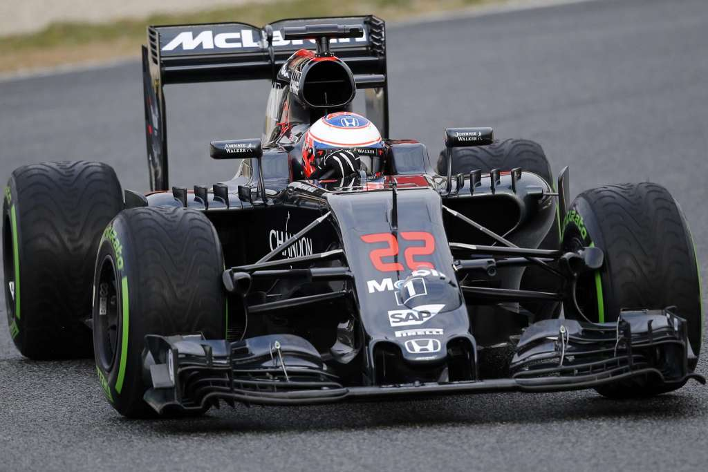 Jenson-Button-McLaren-Honda-MP4-31-Barcelona-test-22-2-2016-on-track-intermediate-tyres