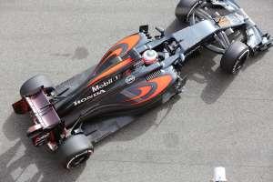 Jenson-Button-McLaren-Honda-MP4-31-Barcelona-test-22-2-2016-pitlane-top-view