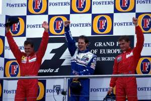 jacques-villeneuve-first-win-at-nurburgring-1996-european-gp-foto-formula1-com