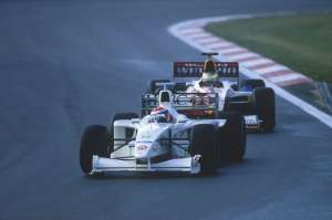 johnny-herbert-european-gp-1999-nurburgring-win-foto-lat