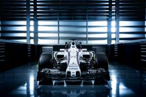 new-williams-f1-fw38-mercedes-2016-launch-2-foto-williams