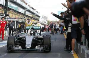 Nico Rosberg Mercedes W07 Hybrid celebrates his Australian GP victory, Melbourne, 20.3.2016.