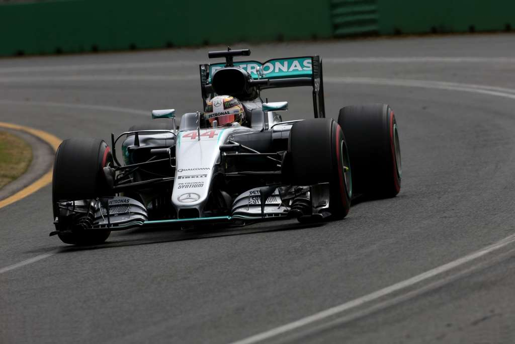 hamilton-mercedes-w07-australia-gp-f1-2016-supersoft
