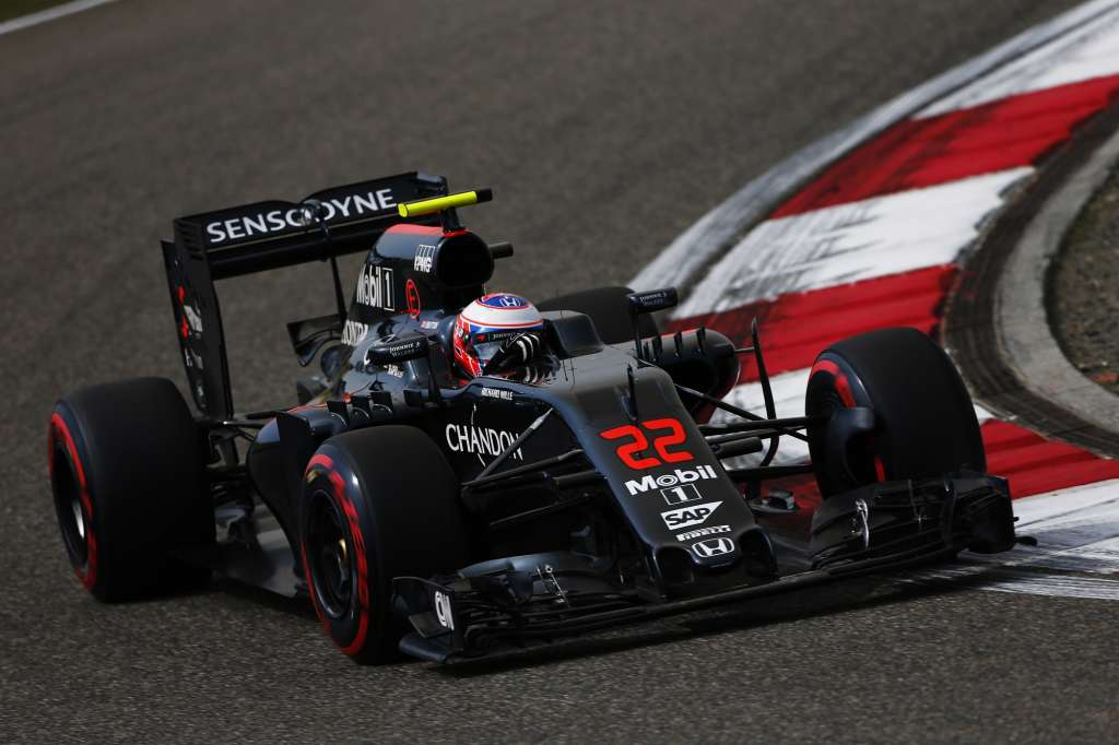 Jenson Button McLaren MP4-31 Honda China GP F1 2016