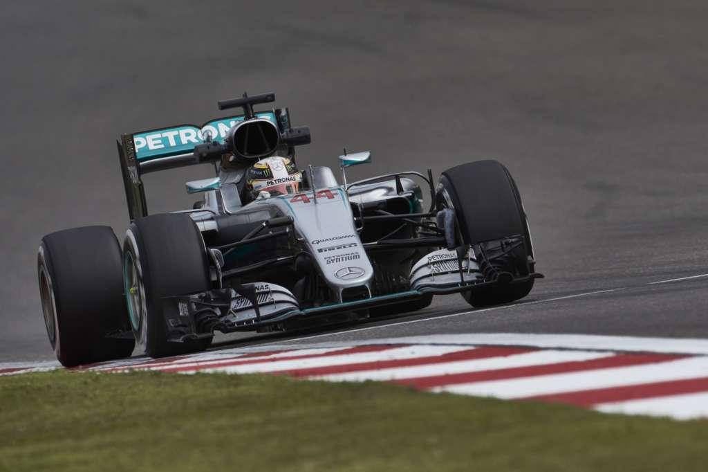 Lewis Hamilton Mercedes W07 Hybrid China GP F1 2016 friday