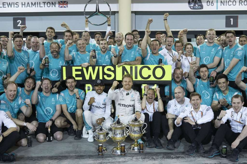 Mercedes AMG Petronas celebrate victory at the Bahrain GP F1 2016