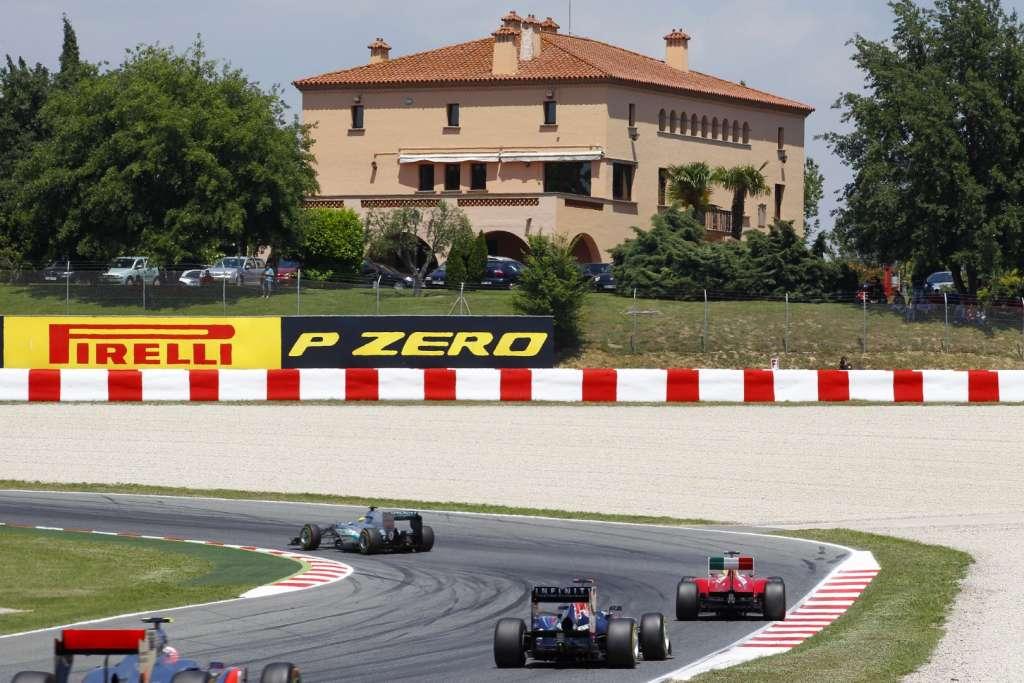 Barcelona F1 track Spain GP F1 2011 Foto Pirelli