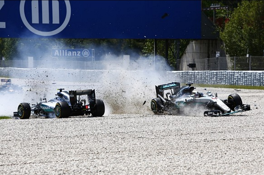 Hamilton i Rosberg Spain GP F1 2016 chrash at turn 4