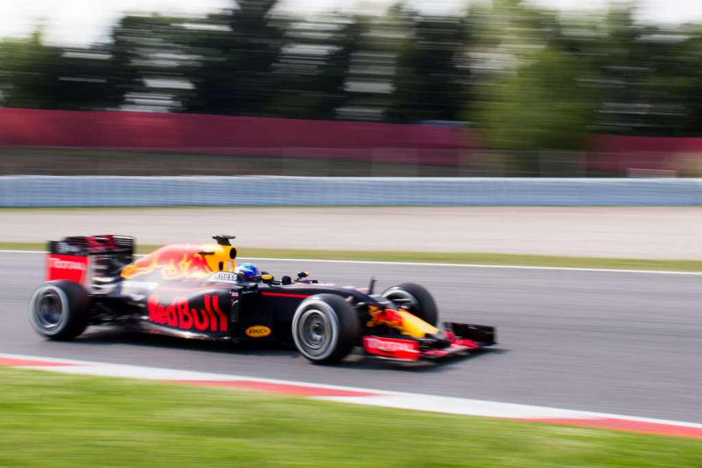 Max Verstappen Red Bull RB12 TAG Heuer Barcelona season test F1 2016 Foto Red Bull