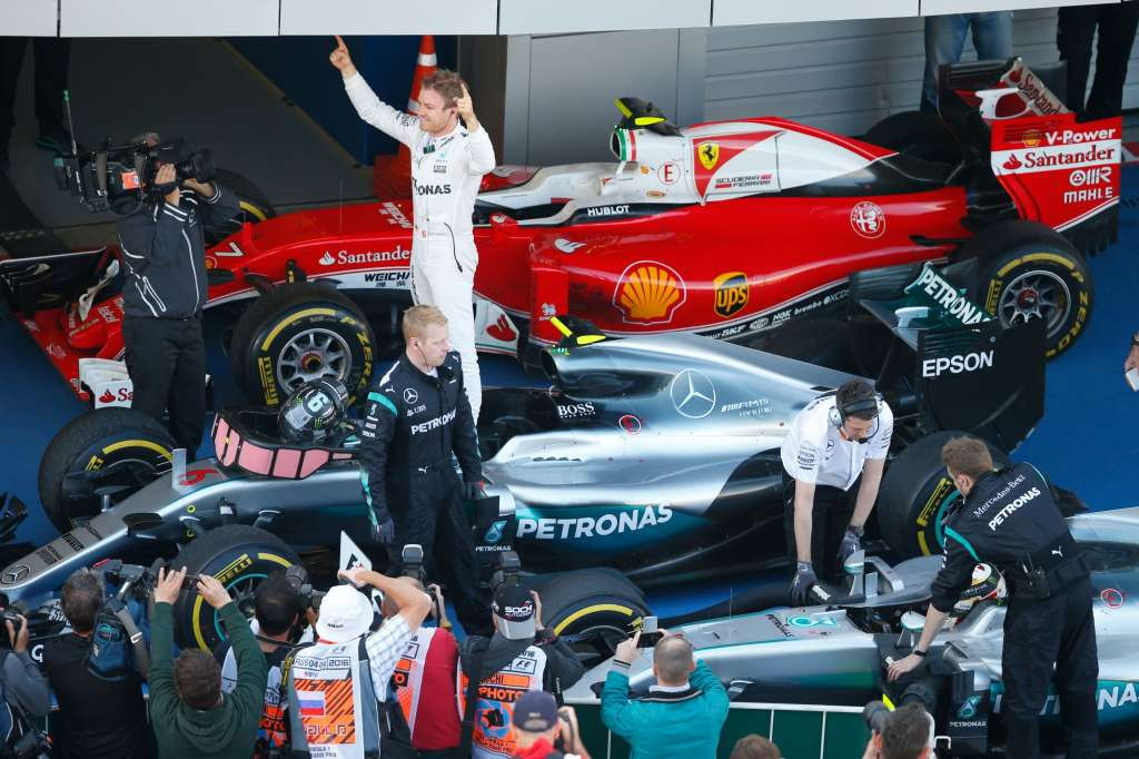 Nico Rosberg Mercedes W07 Hybrid Russia GP F1 2016 post race parc ferme celebrations Foto Mercedes