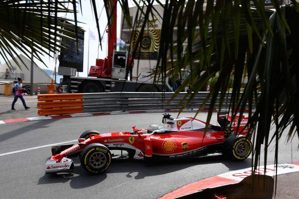Sebastian Vettel Ferrari SF16-H Monaco GP hairpin F1 2016 Foto Ferrari