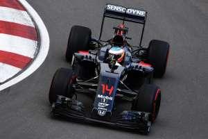 Fernando Alonso McLaren Honda MP4-31 Canada GP F1 2016 hairpin exit Foto McLaren
