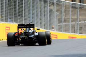 Jenson Button McLaren Honda MP4-31 European GP Baku F1 2016 Foto F1fanatic