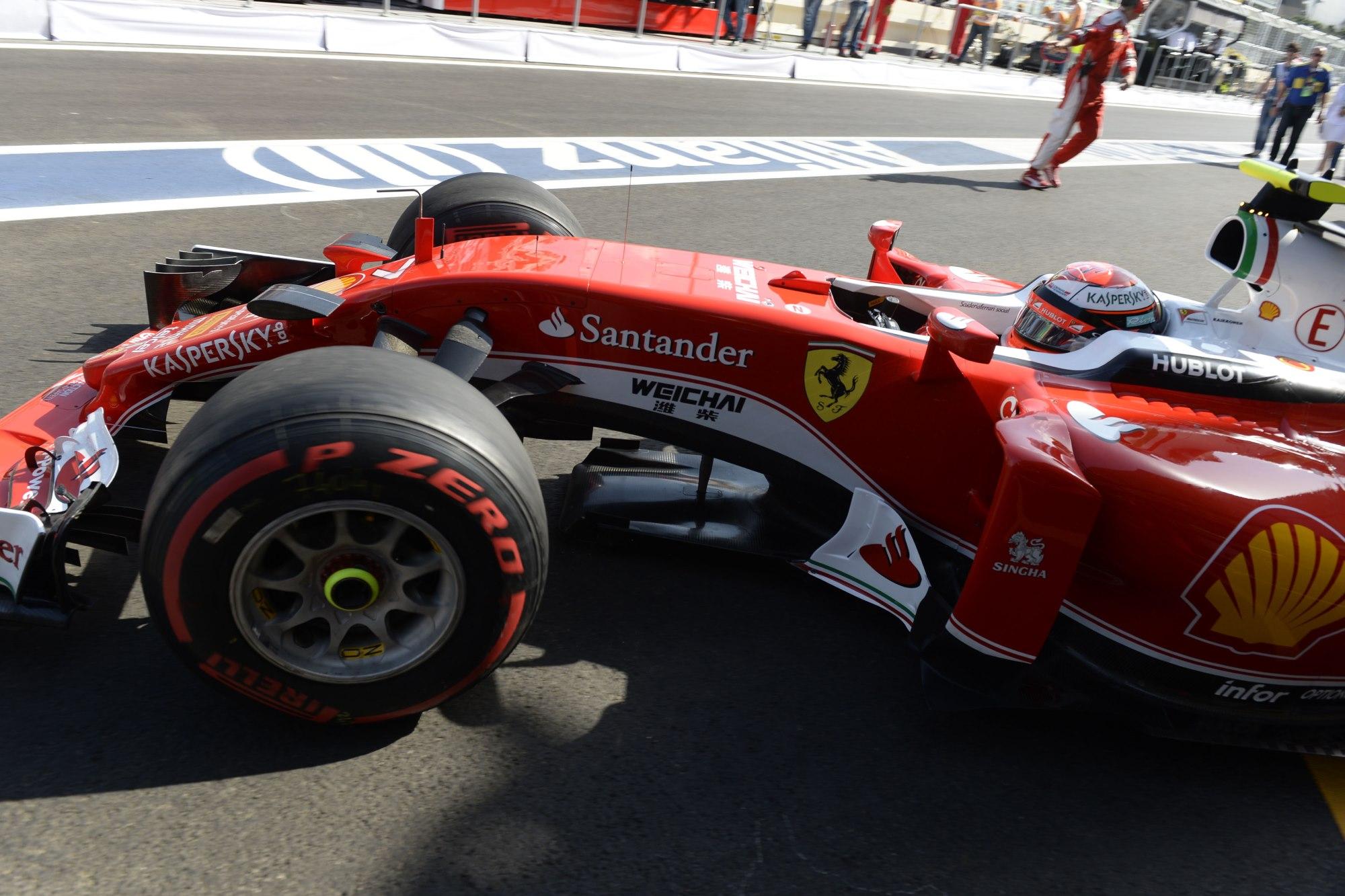 Kimi Raikkonen Ferrari SF16-H garage exit European GP Baku City Circuit F1 2016 Foto Ferrari