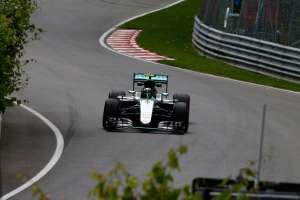 Nico Rosberg Mercedes F1 W07 Hybrid Canada GP F1 2016 fast chicane Foto Mercedes