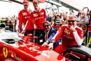 Ferrari F1 Ray Ban sponorship deal Great Britain GP Silverstone F1 2016 team photo Foto Ferrari