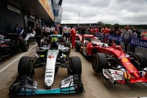 Hamilton Mercedes and Vettel Ferrari after qualifying for the British GP F1 2016 Foto Daimler