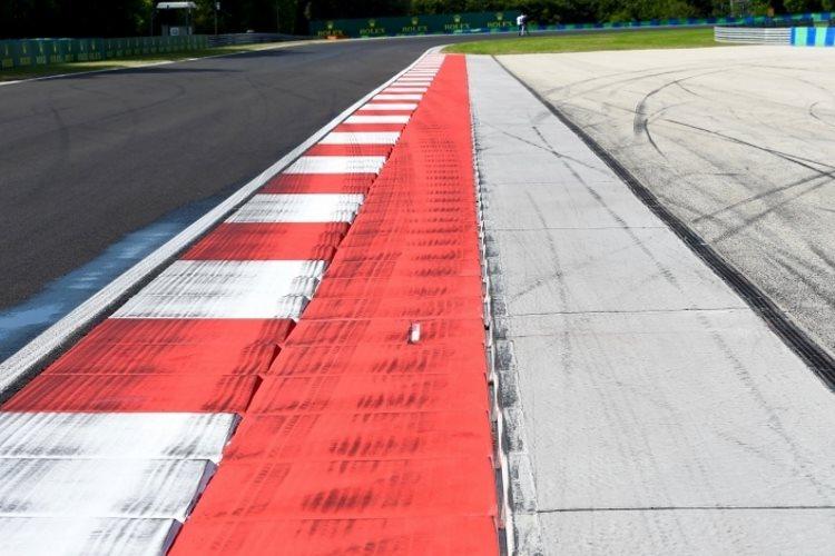 Hungaroring F1 2016 turn4 exit kerb foto Sutton
