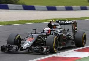 Jenson Button McLaren Honda MP4-31 Austrian GP F1 2016 soft tires Foto McLaren