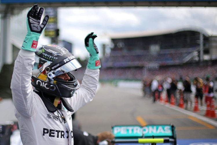 Nico Rosberg Mercedes W07 Hybrid German GP F1 2016 after qualy celebration parc ferme Foto F1fanatic