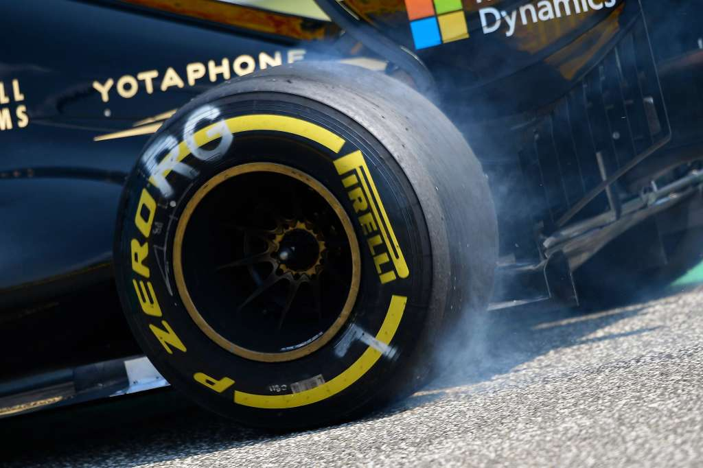 Romain Grosjean Lotus E23 soft pirelli