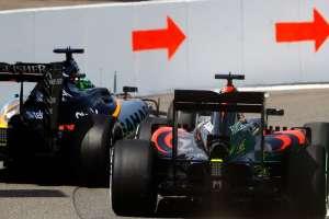Hulkenberg i Alonso utrkivali su se na izlazu iz boksa pri čemu je došlo do manjeg kontakta
